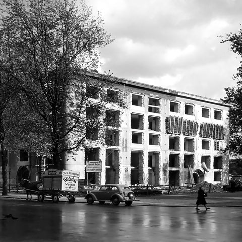 The building standing at Allende-Platz 2 in 1951 during structural alteration works